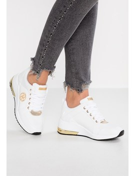 Sneakers by Guess