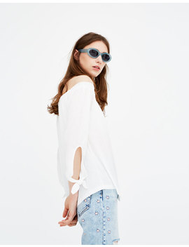 Μπλούζα Basic με φιόγκους   Μπλούζα με έξω τους ώμους by Pull & Bear
