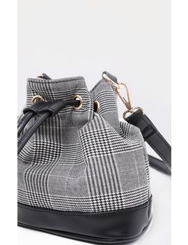 Grey Check Duffle Bag by Prettylittlething