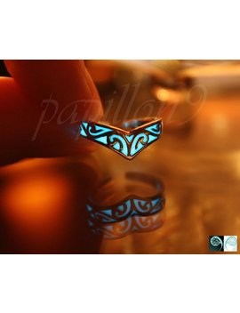 Celtic Toe Ring / Glow In The Dark / Sterling Silver Toe Ring / V Toe Ring / by Etsy