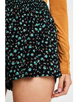 Uo Ditsy Floral Pull On Shorts by Urban Outfitters