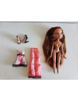Bratz Dolls   Sleep Over Yasmin Edition 2   Original Clothing &Amp; Accessories by Bratz