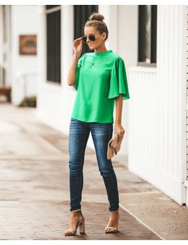 Flutter By Blouse   Kelly Green by Vici