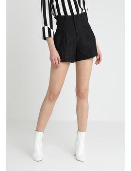 Evert   Shorts by Fashion Union