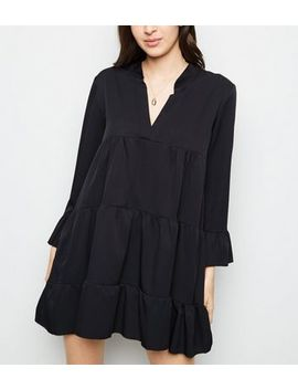 Cameo Rose Black Tiered Smock Dress by New Look