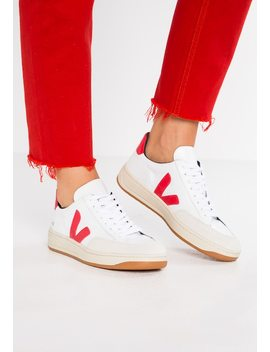 V 12    Trainers by Veja