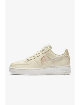 Air Force '07 Se Premium Women's Shoe by Nike