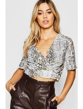 Petite Snake Print Buckle Detail Cropped T Shirt by Boohoo