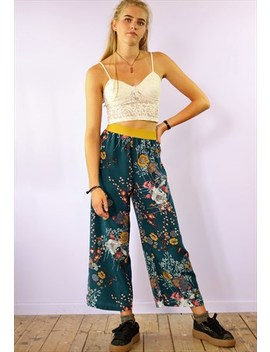 Cropped Trousers With Flower & Butterfly Print by Yapyap