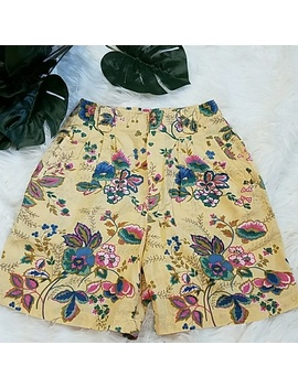 Vintage Linen High Waisted Floral Shorts Size 6 Preowned/Used by Westbound
