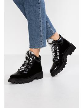 Asur   Ankle Boot by Steve Madden