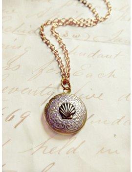 Miniature Mermaid Shell Vintage Locket, Mermaid Jewelry, Mermaid Lovers Gift, Ocean Gifts, Seaside Jewelry, Seaside Gifts, Tiny Gold Locket by Etsy
