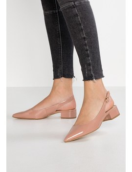 Daphne   Classic Heels by Dorothy Perkins