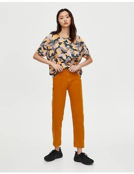 Jeans Mom Fit Color Mostaza by Pull & Bear