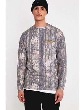 "Urban Outfitters – Longsleeve ""Leaf Wilderness""  In Grün by Urban Outfitters Shoppen"