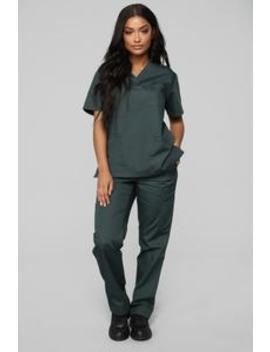 Miracle Worker Classic Scrub Set   Hunter Green by Fashion Nova
