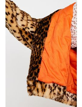 Urban Outfitters–Kunstpelzjacke MitLeoprint by Urban Outfitters Shoppen