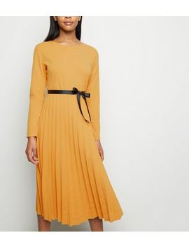 Cameo Rose Orange Pleated Ribbon Waist Midi Dress by New Look