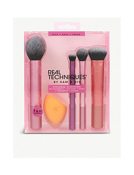 Everyday Essential Make Up Brush Set by Real Techniques