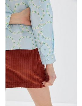 Uo Floral Scallop Button Down Shirt by Urban Outfitters