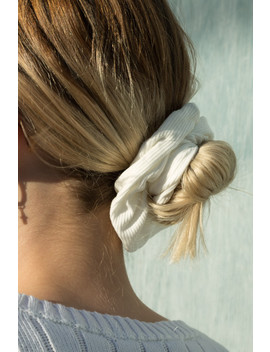 White Scrunchie by Brandy Melville