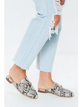 Mules Plates Grises à Imprimé Serpent by Missguided