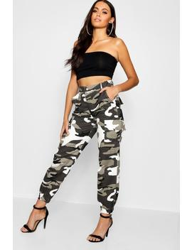 Jogging Cargo Camouflage by Boohoo
