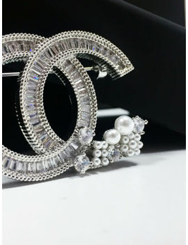 Authentic Chanel Brooch Cc Logo Crystal With Pearls Twist 18 K White Gold Pin by Chanel