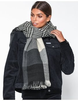 Onl Faith Doublesided Check Scarf Ac by Only