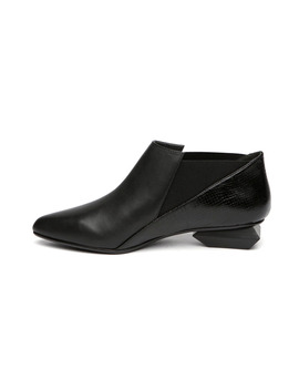 Becca Elastic Boots In Black by General