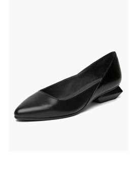 Pointed Flats In Black by General