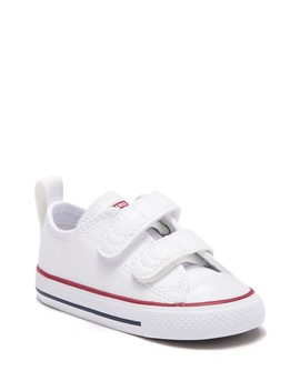 Chuck Taylor 2 V Ox Sneaker (Toddler) by Converse