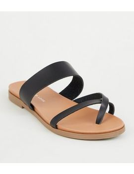 Wide Fit Black Toe Loop Footbed Sandals by New Look
