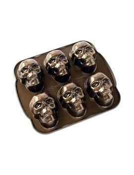 "Nordic Ware Haunted Skull Cakelet Pan, Cast Aluminum, Lifetime Warranty, 5 Cup Capacity, 12.25"" X 2.25"" X 13.5"" by Nordicware"