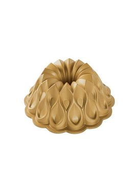 Nordic Ware Non Stick Novelty Crown Bundt Cake Pan by Nordicware