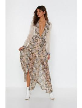 Should I Stay Or Should I Grow Floral Maxi Dress by Nasty Gal