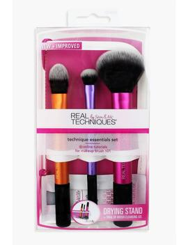 Real Techniques Brush Case & Cleansing Gel by Boohoo