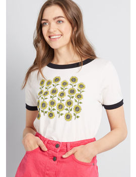 Sunflower Patch Graphic Tee by Modcloth