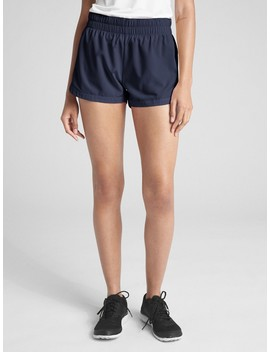 "Gap Fit 2.5"" Quick Dry Shorts by Gap"