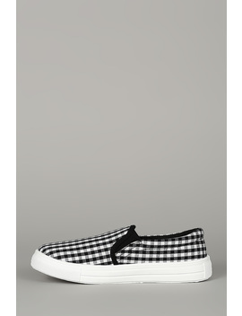 Printed Round Toe Slip On Flat Sneaker by Urbanog