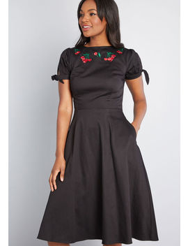 Decidedly Sweet Midi Dress by Collectif
