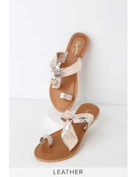 mint-condition-light-gold-leather-toe-loop-slide-sandals by seychelles