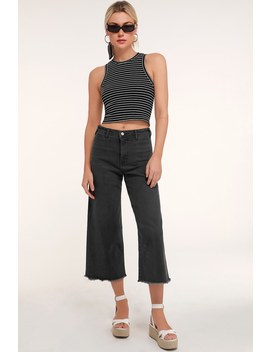 Torrie Washed Black Wide Leg Cropped Jeans by Lulus
