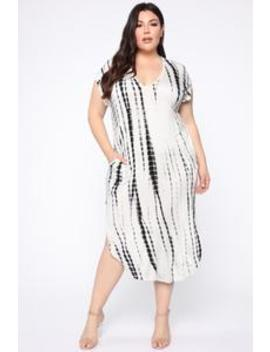 Some Beach Maxi Dress   White/Black by Fashion Nova