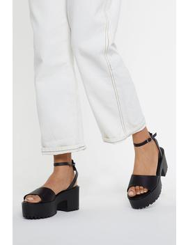 Pu Cleated Flatfrom Sandals by Nasty Gal