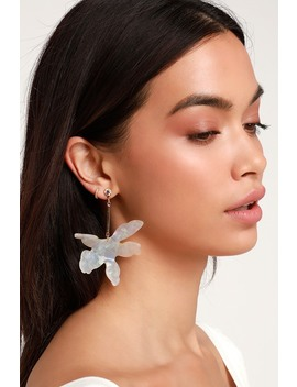 Felicia White Acrylic Flower Earrings by Lulus