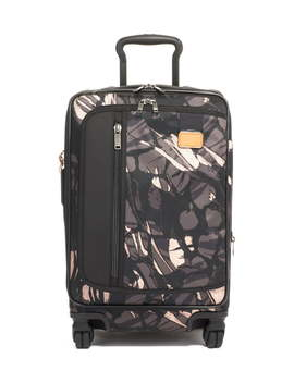Merge 22 Inch International Expandable Rolling Carry On by Tumi