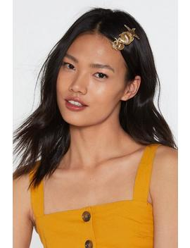 Multi Shell Hair Clip by Nasty Gal