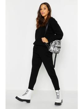 V Neck Knitted Set by Boohoo