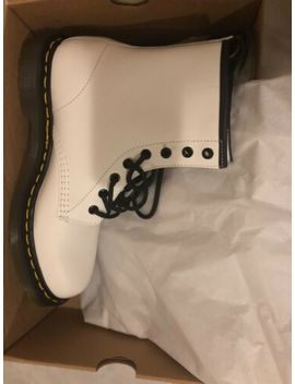 Dr. Martens 1460 W Smooth Leather  Size 9   White by Dr. Martens